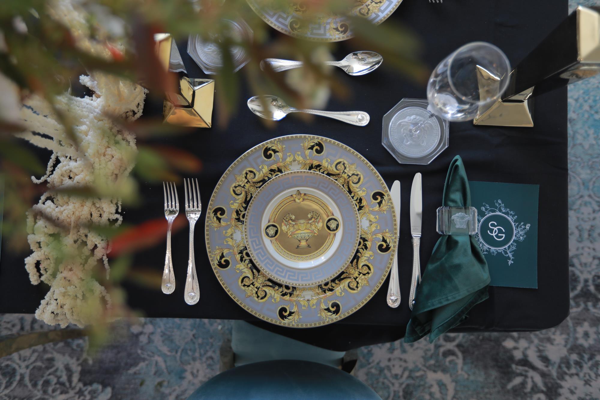 Medusa Prestige Gala-Blue-Versace-Dinnerware-Set