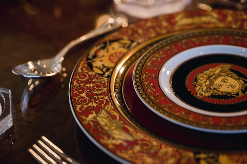 Medusa-Red-Gold-Cutlery-Hire